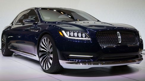 The 2016 Lincoln Continental luxury sedan.