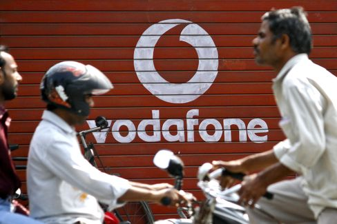Verizon Pushing Vodafone Deal Puts Wireless Control in Grasp