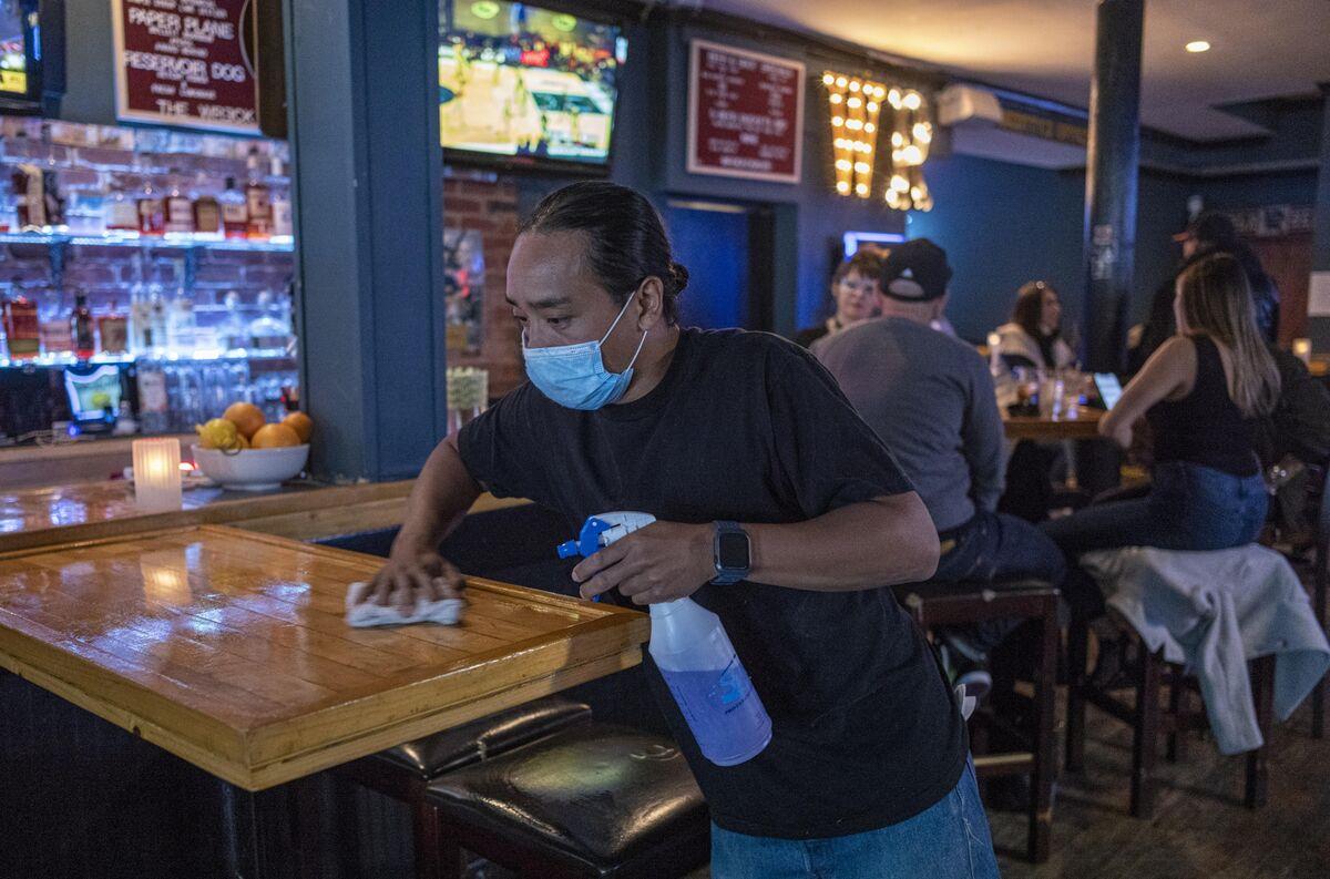 San Francisco Bay Area Reinstates Mask Order as Virus Surges