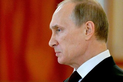 Putin's Economic Model Showing Strain as Russia Is Cut Off From Global Finance