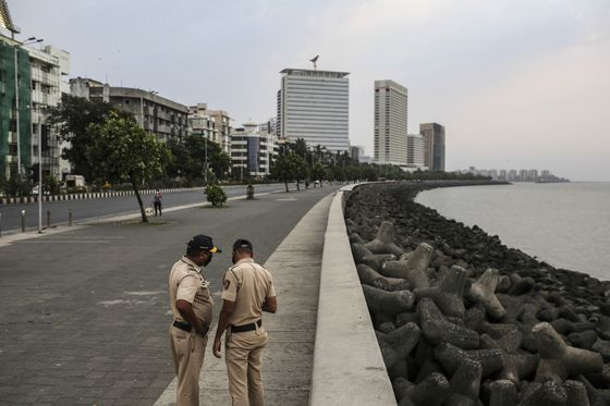 India's Urban Affluent Hit by Virus Wave After Earlier Dodge