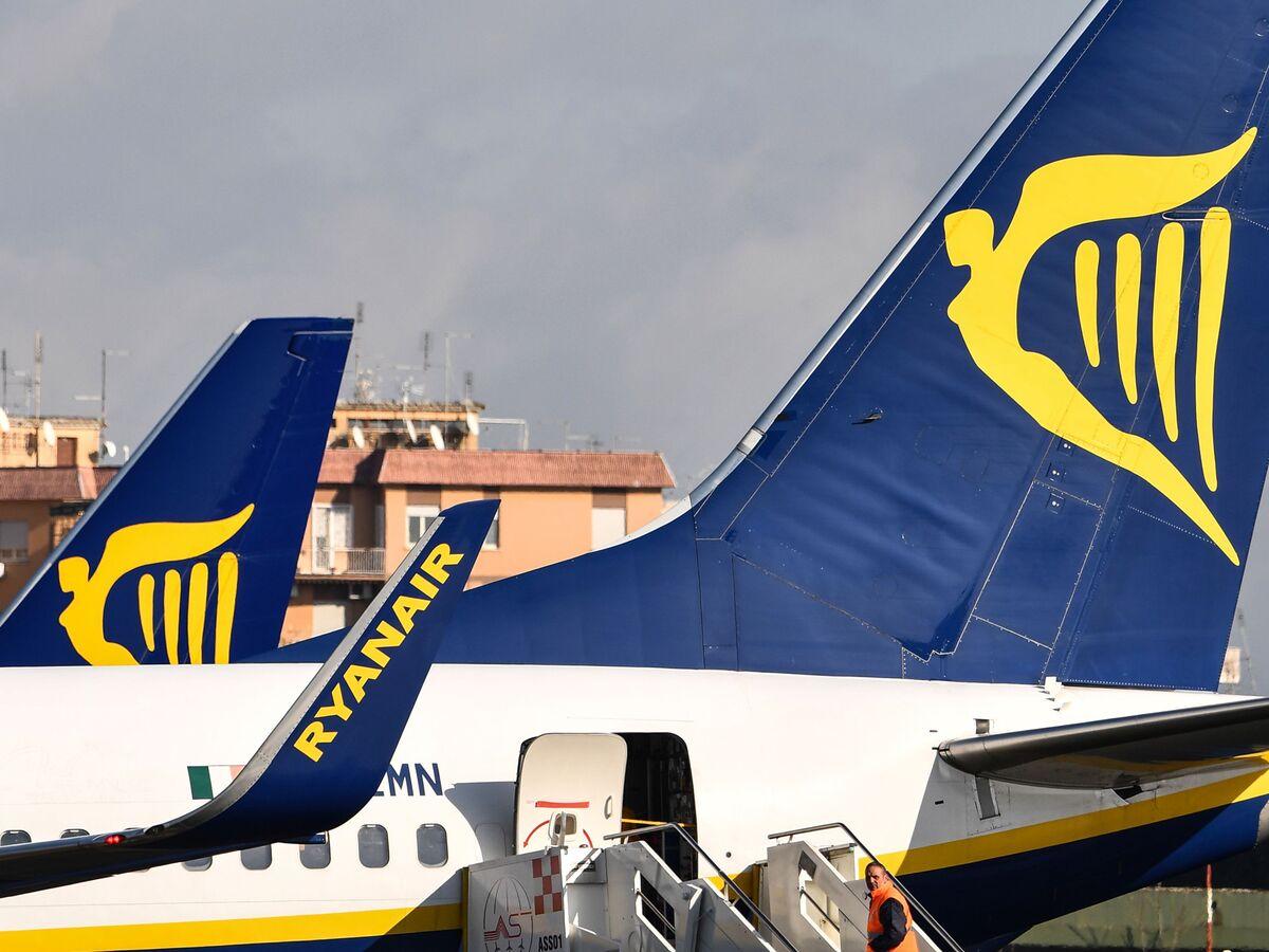 Ryanair Stock Falls as Price War Threatens Vital Summer Profits