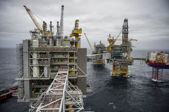 Norway's Oil Fields to Run on Green Power as They Export Carbon