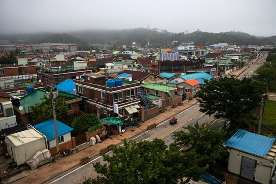 Fear Is Mounting on an Island at the Edge of North Korea