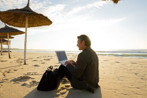 Work's a Beach: Five Tips for Maximizing Productivity on Vacation