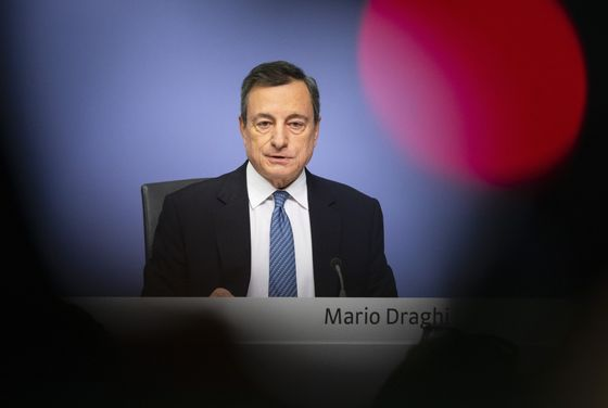 ECB's Empty Chair Embarrassment Leaves Draghi in Pre-Brexit Bind