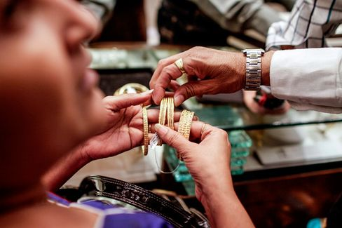 India Tries to Curb Its Gold Appetite
