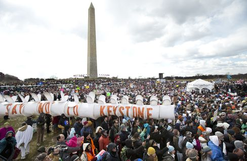 Thousands Protest Keystone XL Pipeline in March to White House