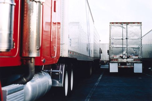 Trucking Recruiters Shift Into High Gear