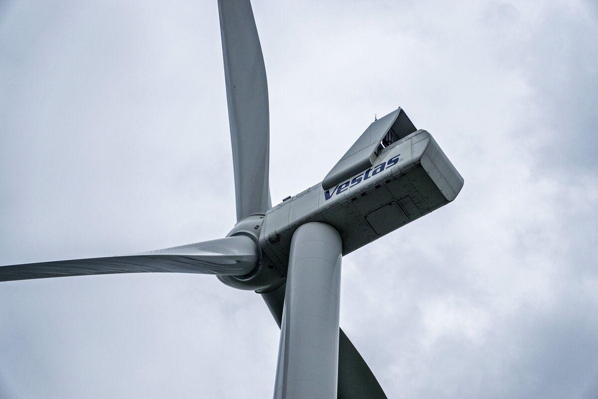 Vestas Profit Misses Forecasts as Wind Turbine Revenue Falls