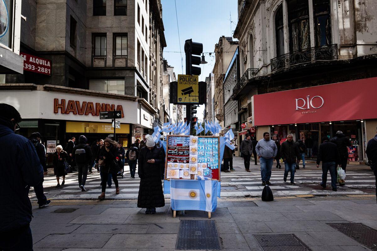Argentina Faces Fresh Turmoil After Resignation, Debt Downgrades