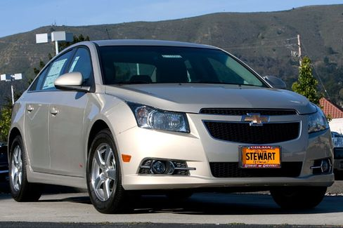 GM's Cruze Drawing Prius Owners Powers Small-Car Revival