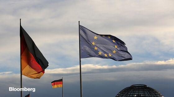 Merkel Tries to Defuse Growing Crisis Over German Ruling on ECB