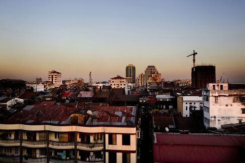 Myanmar Seeks More Carrots as U.S. Moves to Ease Sanctions