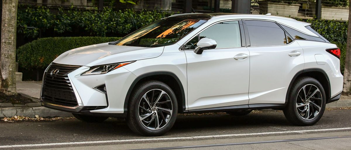2016 lexus rx 350 f sport review the ur crossover overworked bloomberg. Black Bedroom Furniture Sets. Home Design Ideas