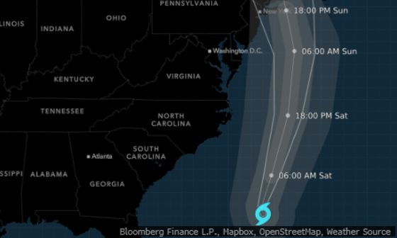 Henri Strengthens Into Hurricane, Aiming for Long Island