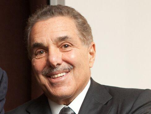 Barnes & Noble Chairman Leonard Riggio
