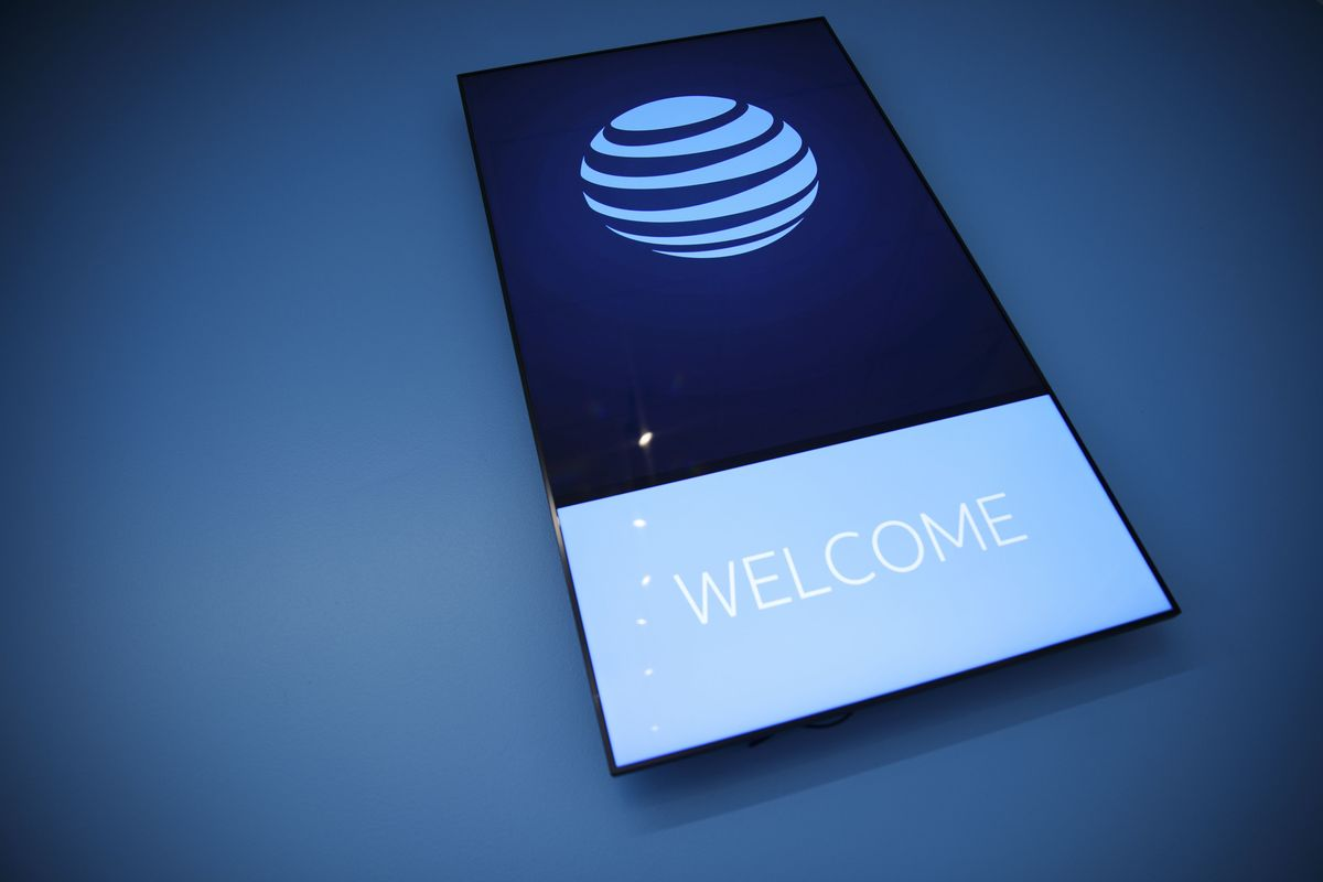 AT&T Plans to Offer Mobile 5G Wireless Phone Service This Year
