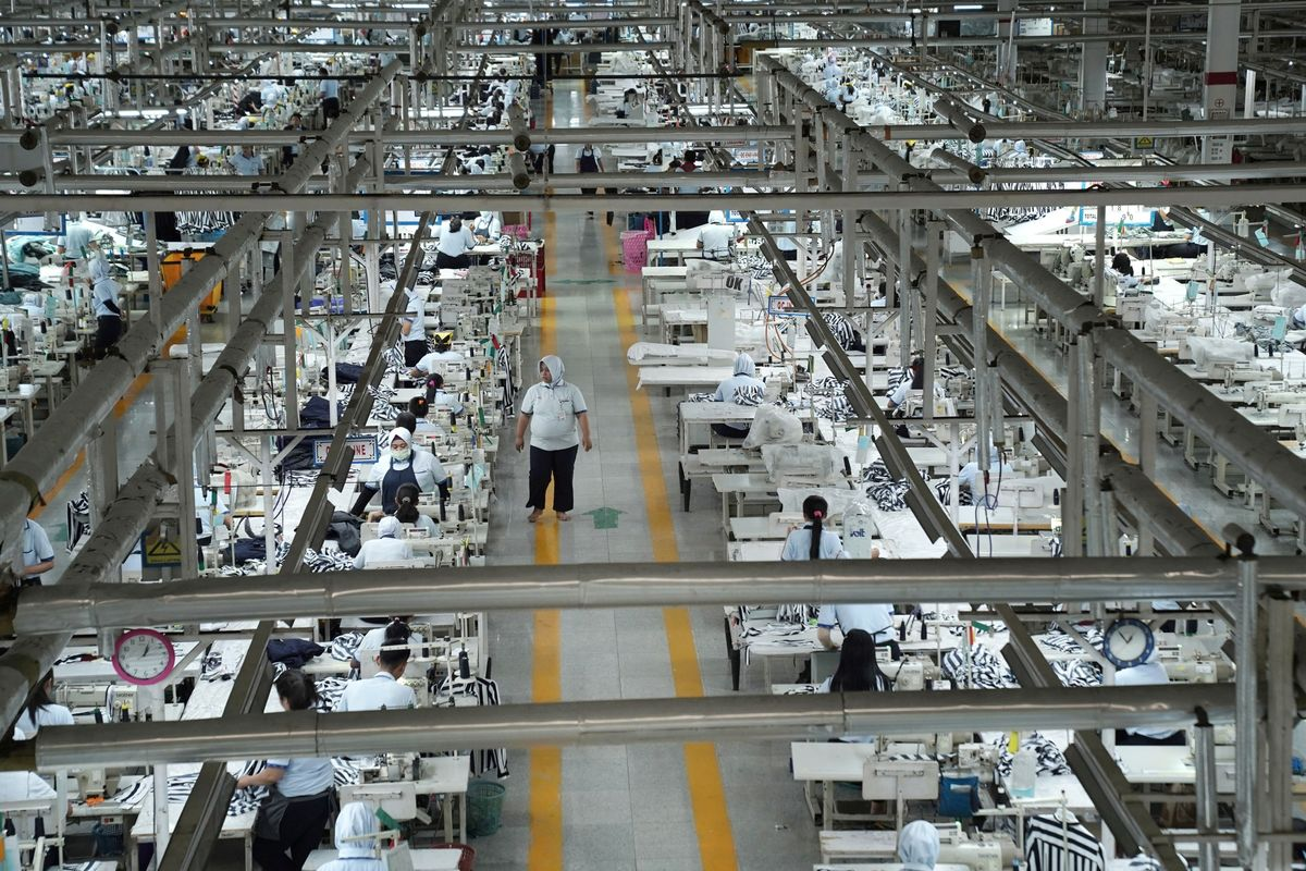 Moving Factories Out of China Is a Very Slow Process, IIF Says