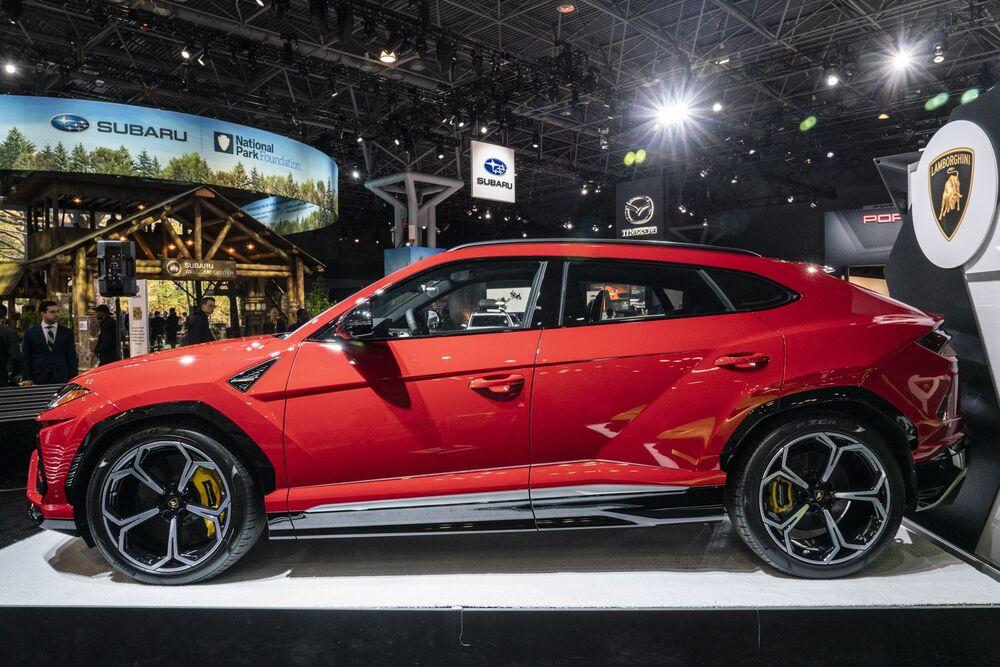 Lamborghini Pulls Into Sight Of Ferrari At 11 Billion Value