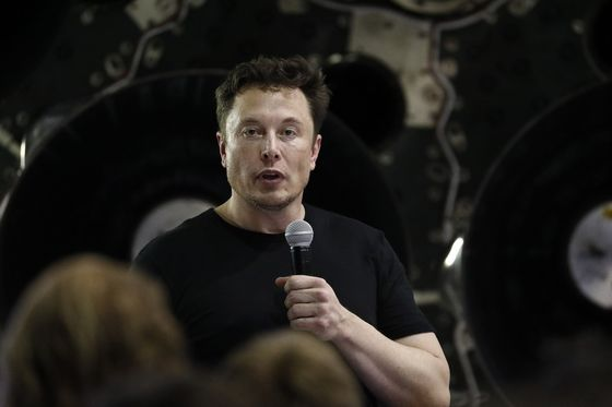 Tesla's Board Backs Musk as SEC Sues, Seeks Ouster Over Tweets
