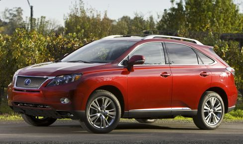 Toyota Expands Floor-Mat Recall to Lexus SUVs