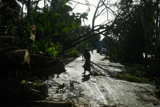 South Asia Storm Kills 84, Snaps Power to 5.5 Million Homes