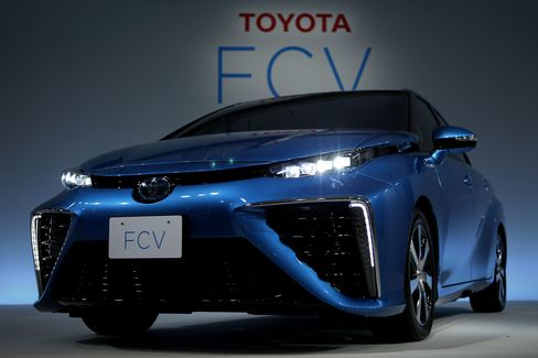 Toyota Motor Corp. Fuel Cell Vehicle (FCV)