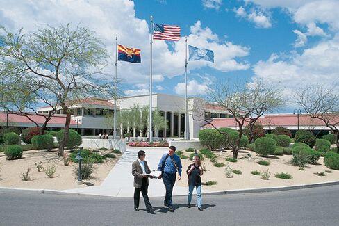 Thunderbird Alumni Fear Partnership Will Devalue Their Degrees