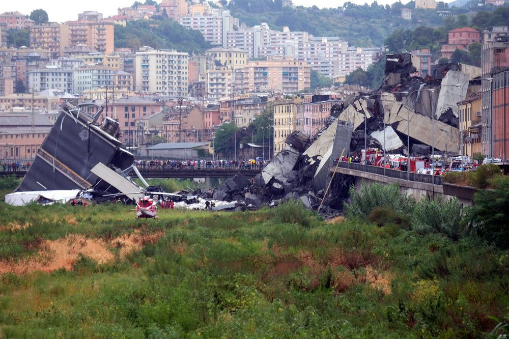 Bridge Collapse In Italy Leaves Many Dead Trapped In Genoa Bloomberg