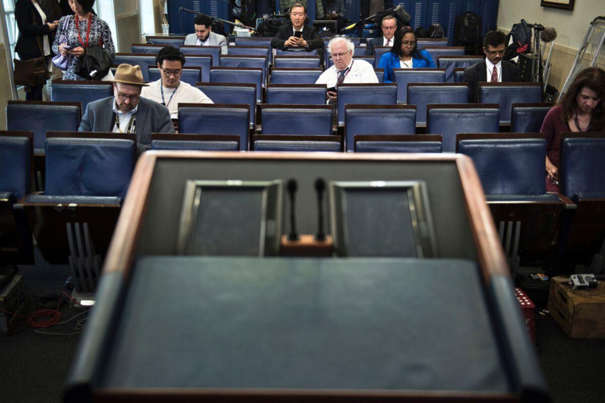 White House Denies Briefing Access to New York Times, Politico, CNN