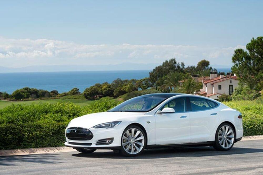 Hertz Is Ing Teslas No Need To Return Them Charged