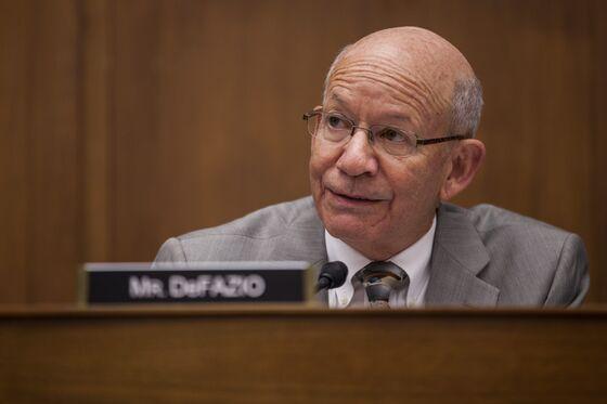 Democrat to Push $300 Billion Bond Plan to Fund Infrastructure