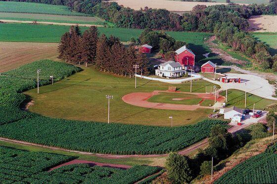 Major League Baseball Visits Iowa's Field of Dreams