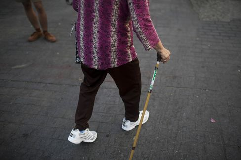 Thailand's Elderly As Nation Grows Old Too Soon To Benefit From China's Rising Costs