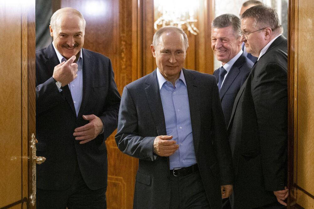 Russia Belarus Vladimir Putin And Alexander Lukashenko Bloomberg