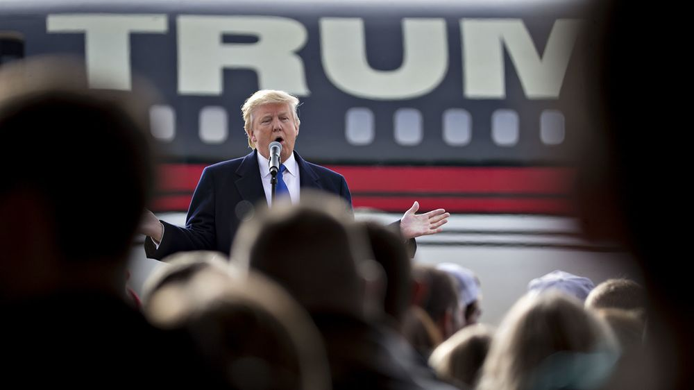 The Power of the Super-PAC Wanes as Trump Prepares for Iowa Test
