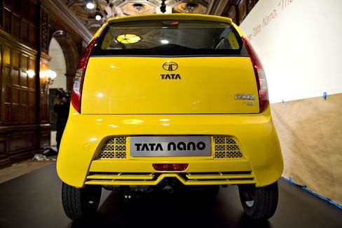 Tata Nano Sales Plunge as Customers Lack Loan Options