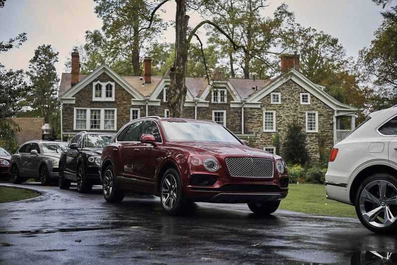 2018 bentley bentayga price. modren bentley the 2018 bentley bentayga has a 60liter w12 engine inside bentley bentayga price