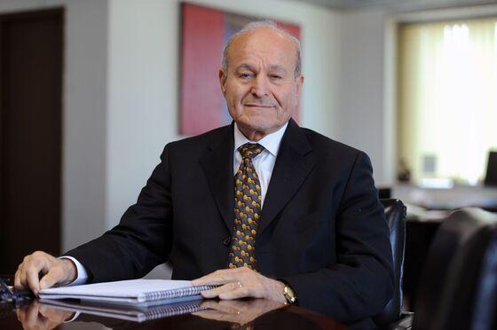 Billionaire Purge Ensnares Algerian Elites After Leader's Ouster