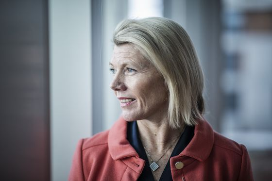 Top Banker in Oil-Rich Norway Says Polluters Can't Be Cut Off