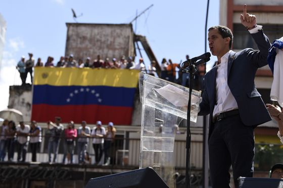 Venezuela's Guaido Names PDVSA Board in Haste to Seize Assets
