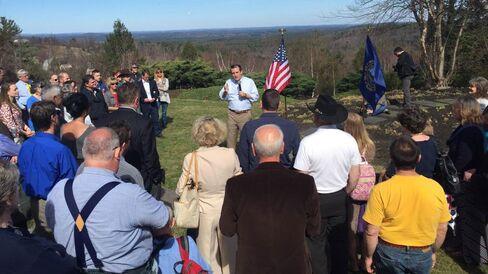 Senator Ted Cruz speaks in New Hampshire on April 19, 2015.