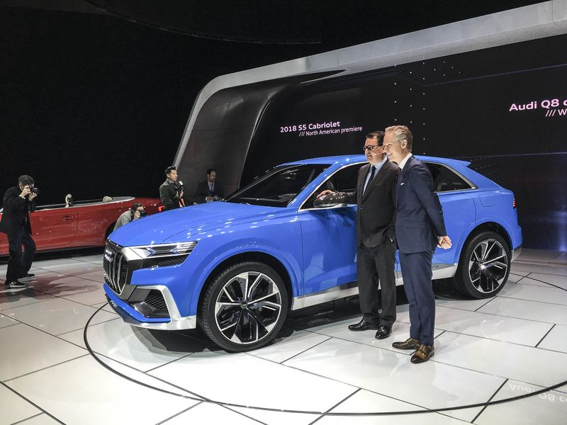 2018 audi electric suv. plain audi detroitautoshowbloombergaudiq801 and 2018 audi electric suv