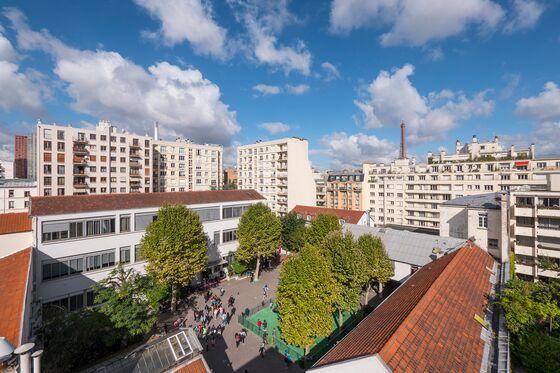Paris International School May Expand to Admit More Children of Fleeing U.K. Bankers