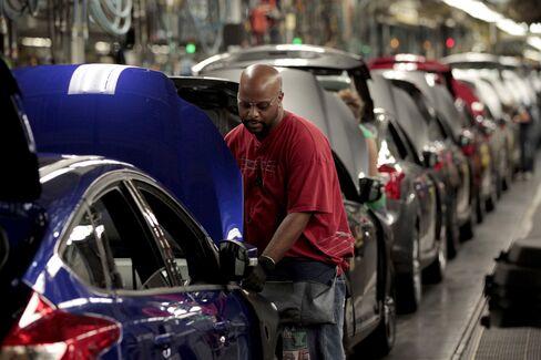 Payrolls Jump by 204,000 as U.S. Economy Weathered Shutdown