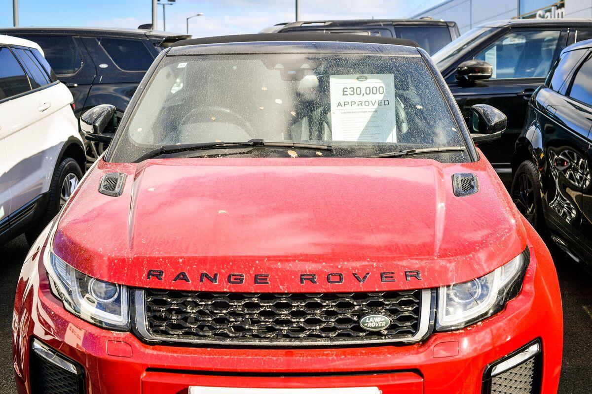U.K. March Car Sales Plunge Most Since Late 1990s on Coronavirus