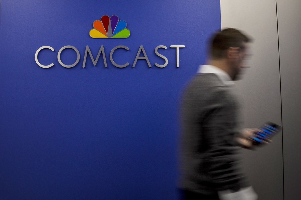 e89a2d79e Techmeme  Sources  Comcast plans to debut an online video service offering  hit shows from its NBCUniversal TV networks in the next 12 to 18 months ...