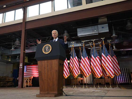 'Chargers Everywhere': Biden Maps $174 Billion Path for EV Boom
