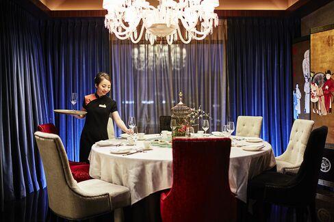 Inside the private dining room at Shisen Hanten.